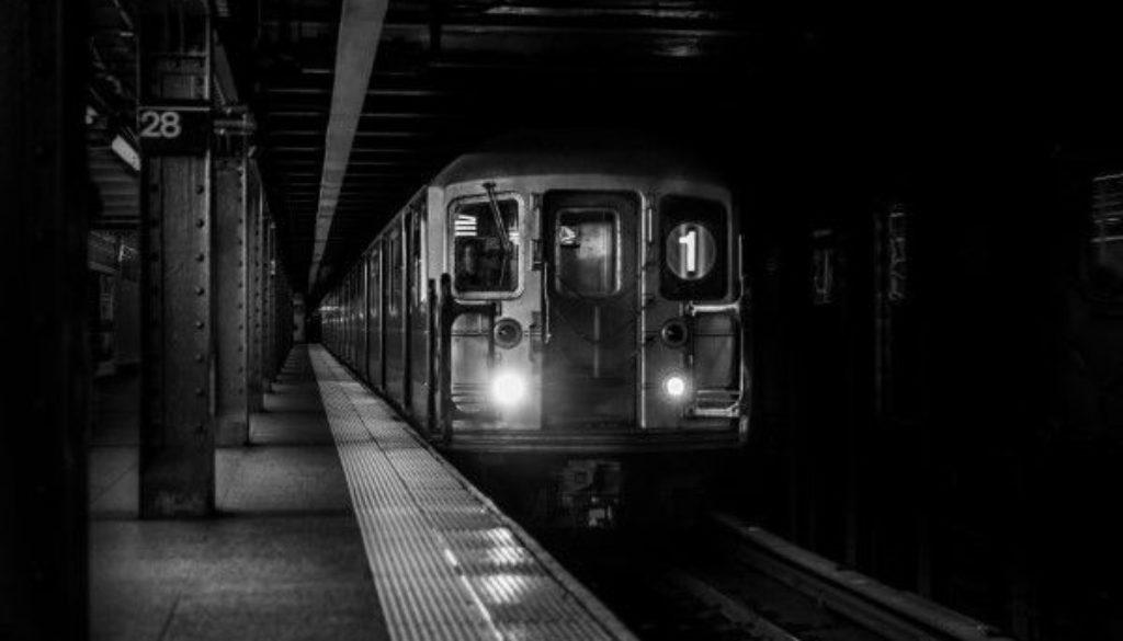 gratisography-subway-train-arrival-thumbnail-small
