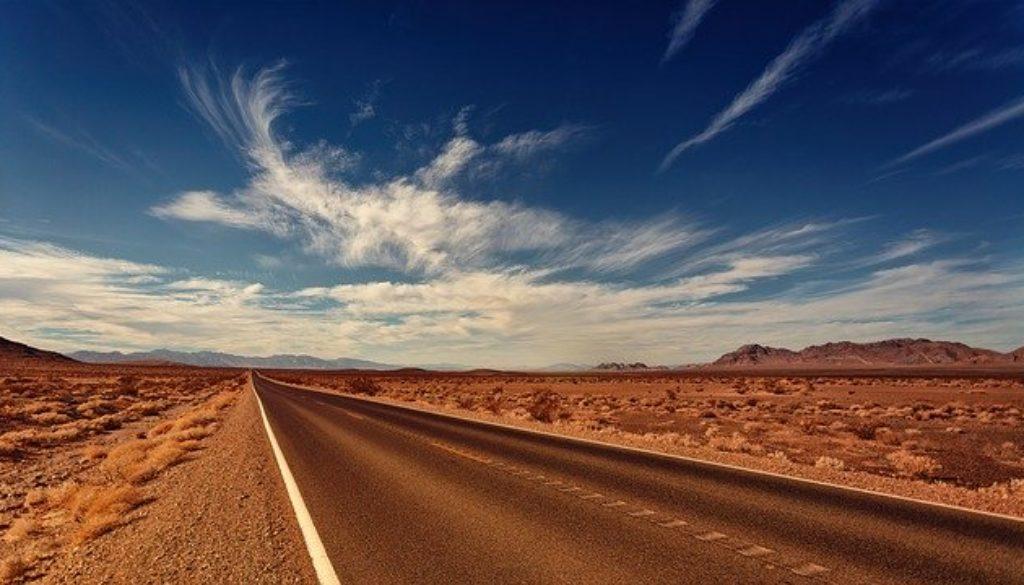 road-3856796_640
